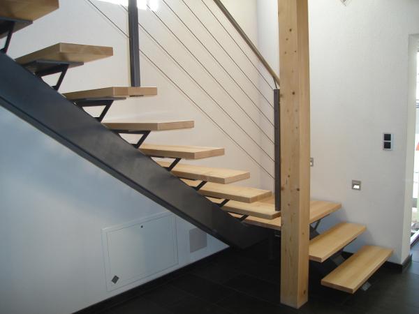 Treppen aus Metall - egal ob Außentreppe oder Innentreppe ...